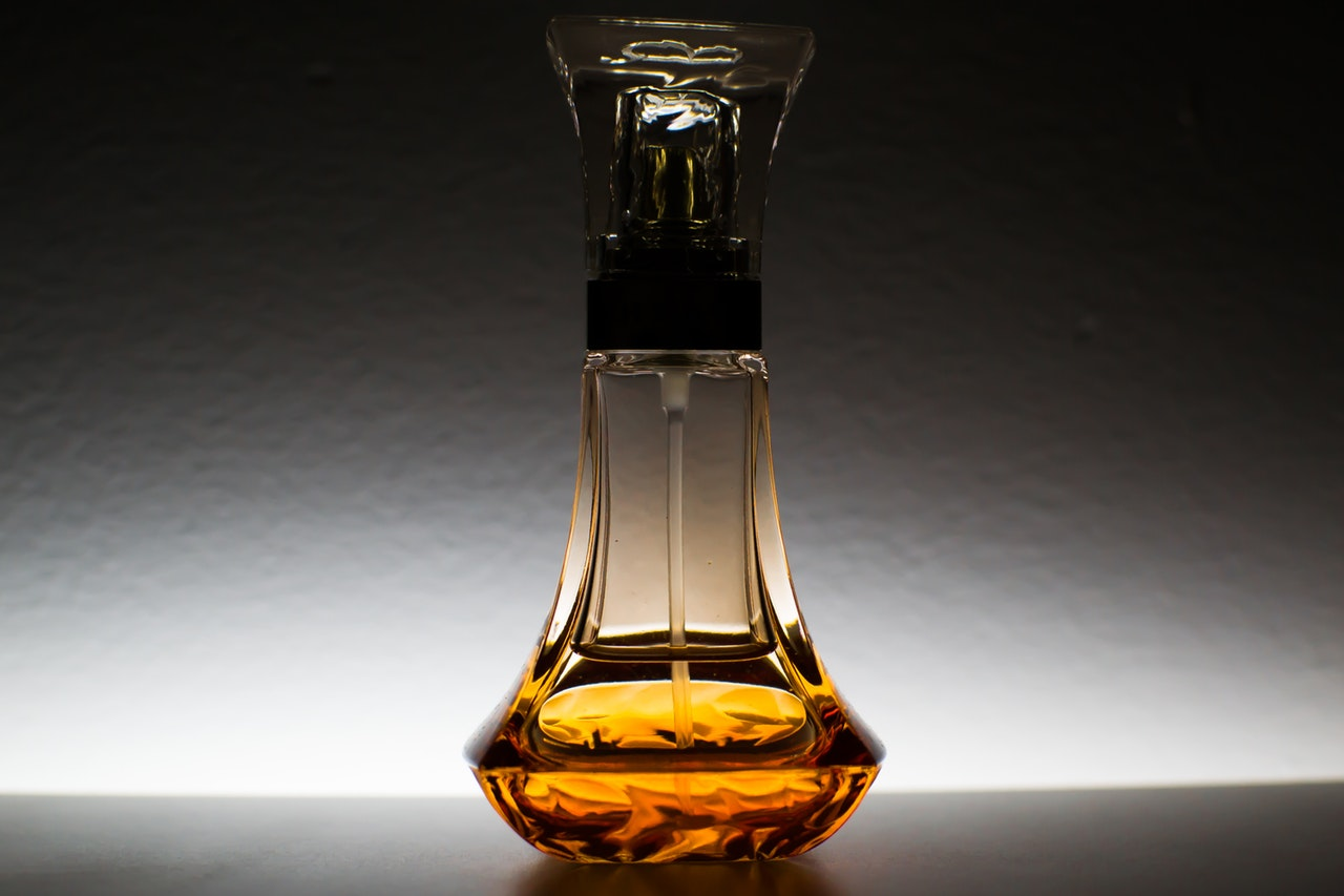 Care E Treaba Cu Parfumurile De Nişă Hoinaruro